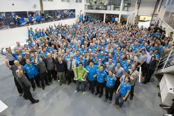 2006 Formula One World Champion Fernando Alonso thanks the Renault F1 Team at their factory in Enstone