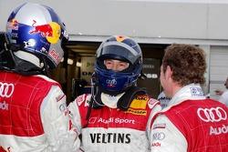 L'auteur de la pole Heinz-Harald Frentzen savoure avec Martin Tomczyk et Tom Kristensen