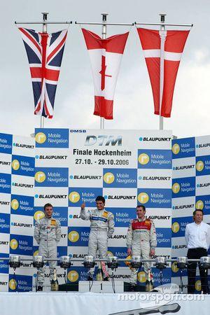 Podium : le vainqueur de la course Bruno Spengler avec Jamie Green et Tom Kristensen