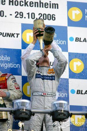 Podium: champagne for Bruno Spengler