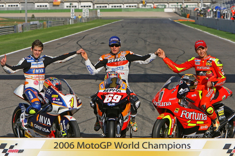 2006 MotoGP World Champions photoshoot: 125 champion Alvaro Bautista, MotoGP champion Nicky Hayden, 250 champion Jorge Lorenzo