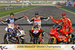 Campeón Mundial de MotoGP 2006: 125 campeón Álvaro Bautista; Campeón de MotoGP Nicky Hayden y 250 ca