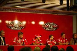 basın toplantısı: Piero Ferrari, Ross Brawn, Felipe Massa, Jean Todt, Michael Schumacher ve Luca di