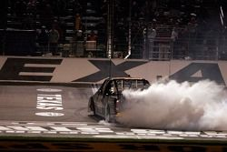 Burn out for Clint Bowyer