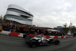 Pitstop demonstration for the fans in front of the new Mercedes-Benz Museum