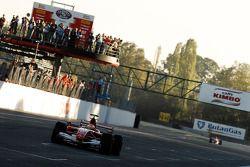 Michael Schumacher dans sa F1 Scuderia Ferrari 248 pour la dernière fois
