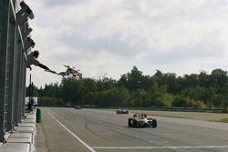 James Hinchcliffe termine deuxième