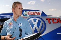Le Directeur Technique de Volkswagen Motorsport Eduard Weidl