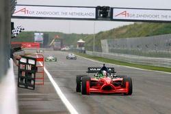 Adrian Zaugg, wint race 1
