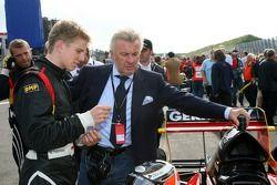 Willi Weber, Seat Holder A1Team Duitsland met Nico Hulkenberg