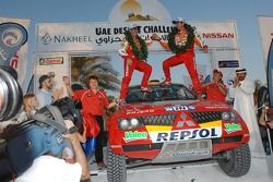 Podium Autos: les vainqueurs Luc Alphand et Gilles Picard heureux