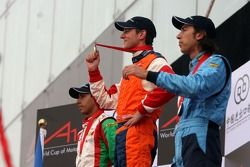 Podium: race winner Jeroen Bleekemolen with Salvador Duran and Enrico Toccacelo