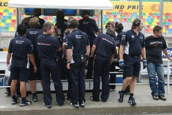 BMW crew members at the pitwall