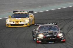 #5 Phoenix Racing Aston Martin DBR9: Jean-Denis Deletraz, Andrea Piccini, #4 GLPK-Carsport Corvette C6R: Bert Longin, Anthony Kumpen, Mike Hezemans