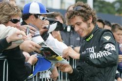 Valentino Rossi, Subaru Impreza WRC, gibt Autogramme