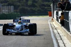 Marco Holzer test ediyorBMW Sauber F3.06 as his prize for winning 2005 Formula BMW Final
