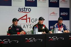 Press conference: race winner Nico Hulkenberg with Robbie Kerr and Nicolas Lapierre