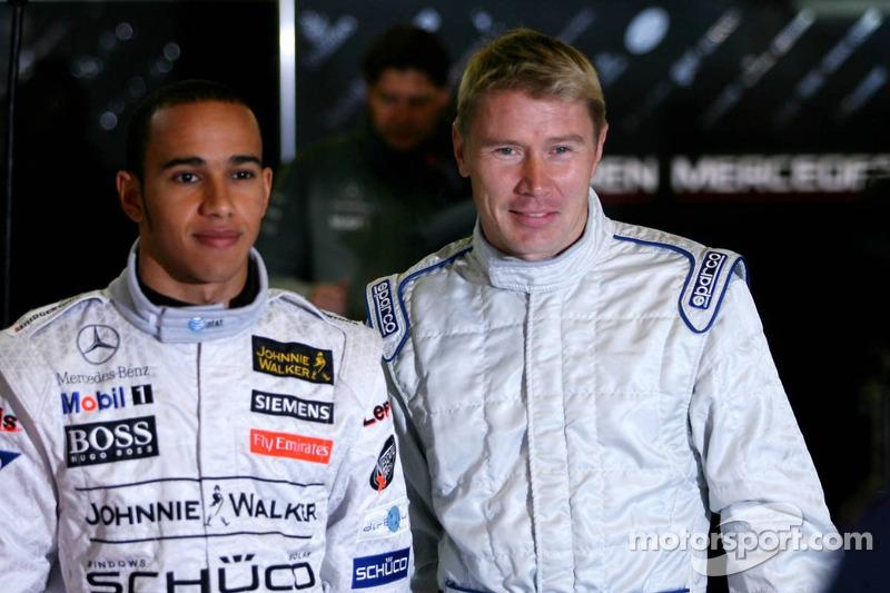 Mika Hakkinen y Lewis Hamilton en ese test de Hakkinen en 2006