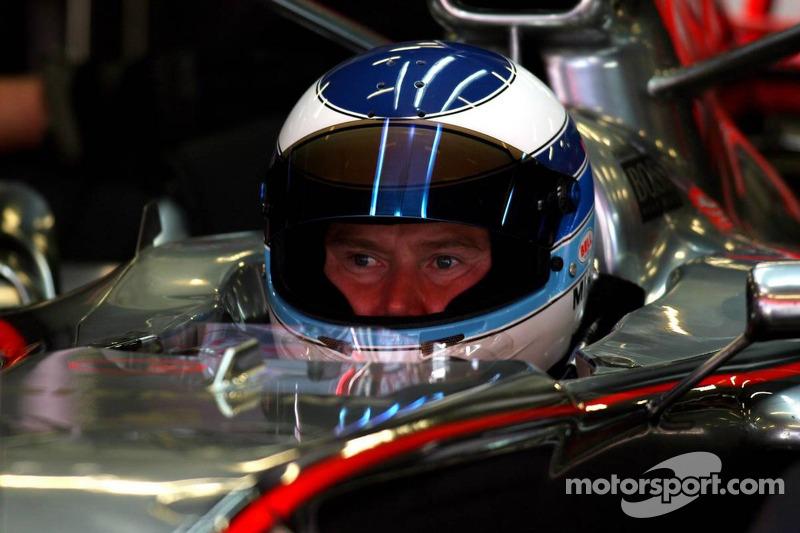 Mika Hakkinen ejerce de piloto de pruebas de McLaren (2006)