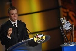 Matt Kenseth accepts the award for his 2th place finish in the points chase