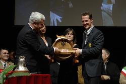 Michael Schumacher ve Scuderia Ferrari Club Maranello Başkanı
