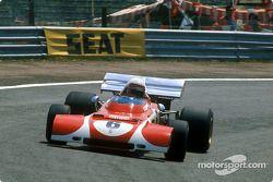 Clay Regazzoni used a special front on his Ferrari