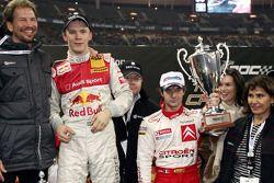 Ganador de la Carrera de Campeones Mattias Ekström celebra con Sébastien Loeb y Fredrik Johnsson