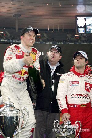 Champagne para el ganador de la Carrera de Campeones Mattias Ekström
