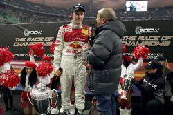 Ganador de la Carrera de Campeones Mattias Ekström