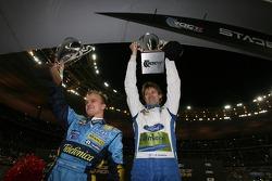 Los ganadores de la Copa de Naciones, de ROC 2006 Heikki Kovalainen y Marcus Gronholm celebran