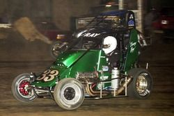 Davey Ray (33x) and Brad Kuhn (71x) battle for the lead in Wednesday night's Creek Nation Casino Qualifying Event