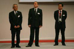 Tsutomu Tomita, Toyota Racing Yönetim Kurulu Başkanı ve Takım Patronu, John Howett, Toyota Racing, B