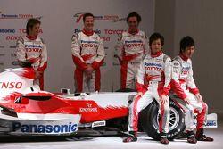 Jarno Trulli, Ralf Schumacher, Franck Montagny, Kohei Hirate ve Kamui Kobayashi