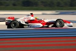 Ralf Schumacher tests the Toyota TF107