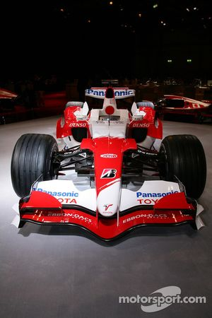 Toyota TF107 before start, presentation