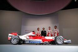 Jarno Trulli, Kazou Okamoto, Toyota Motor Corporation Executive Vice President, Ralf Schumacher and