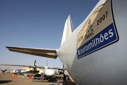 Airplanes get a rest day at Atar