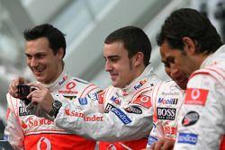 Fernando Alonso, Lewis Hamilton, Pedro de la Rosa y Gary Paffett
