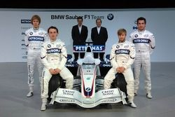 Доктор Марио Тейссен, директор BMW Motorsport, Себастьян Феттель, Ник Хайдфельд, Роберт Кубица, Тимо