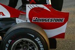 Super Aguri F1 Team interim chassis arka kanat detay