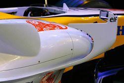 Renault R27: Cockpit