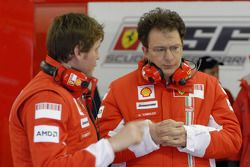 Rob Smedly, ingeniero de carrera de Felipe Massa y Nicholas Tombazis, jefe de diseño de Ferrari