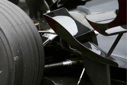 Honda RA107: Flaps