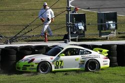 Crash for #07 Cardiosport Racing Porsche 997: Gary Grigsby Jr., Terry Heath