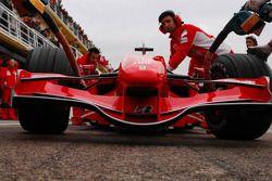 Scuderia Ferrari F2007 ön kanat detay