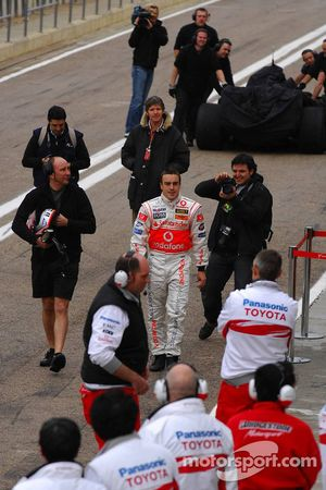 Technical problems for Fernando Alonso