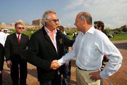 Флавио Бриаторе, Renault F1, и Рон Деннис, McLaren