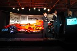 Michiel Mol, Direktör, Formula 1 Racing, Spyker ve Spyker F1 Team ve Victor Muller, Şef Sorumlusu, S