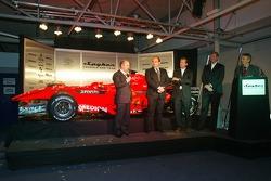 Mike Gascoyne; Colin Kolles; Michiel Mol; Victor Muller; Tony Jardine, Spyker-Ferrari