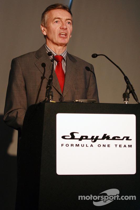 TV Sunucusu Tony Jardine ve about Car